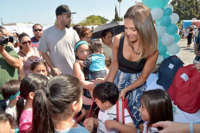 Jessica Alba – The Honest Company and STATE Bags Celebrate Back to School in Arleta