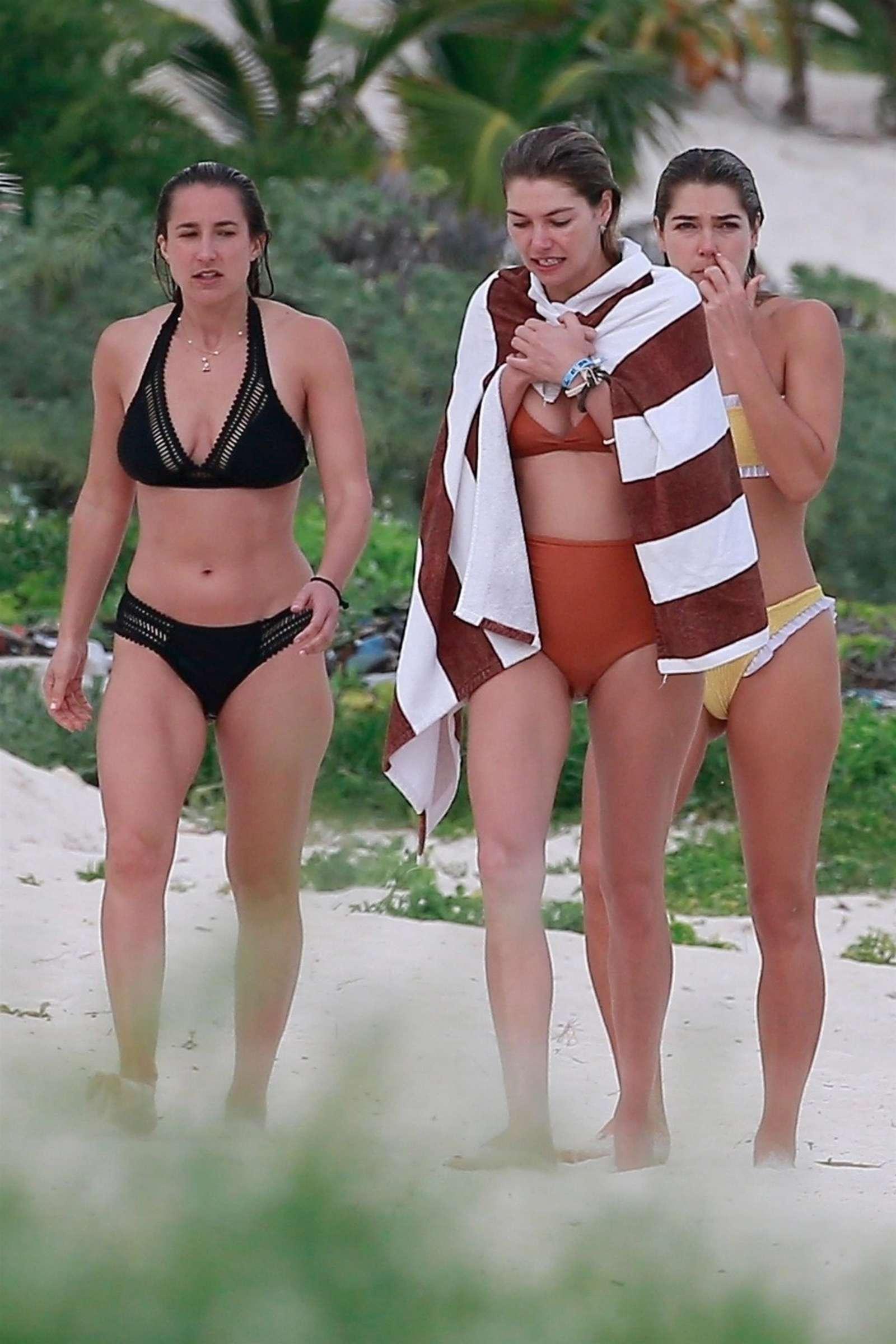 Jessica and Ashley Hart in Bikini 2018 -11
