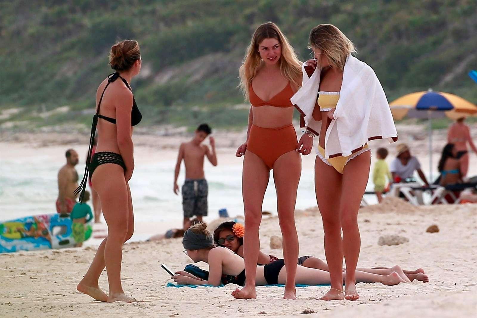 Jessica Hart 2018 : Jessica and Ashley Hart in Bikini 2018 -14