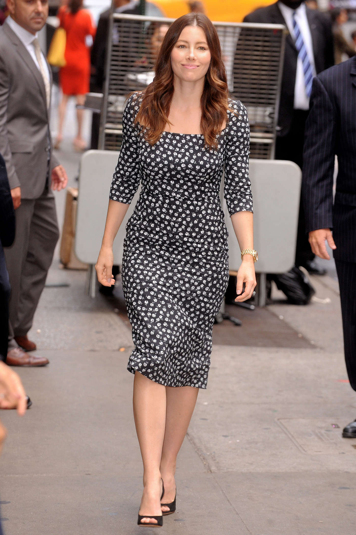 Good Morning America Nyc : Jessica biel arrives at good morning america in nyc