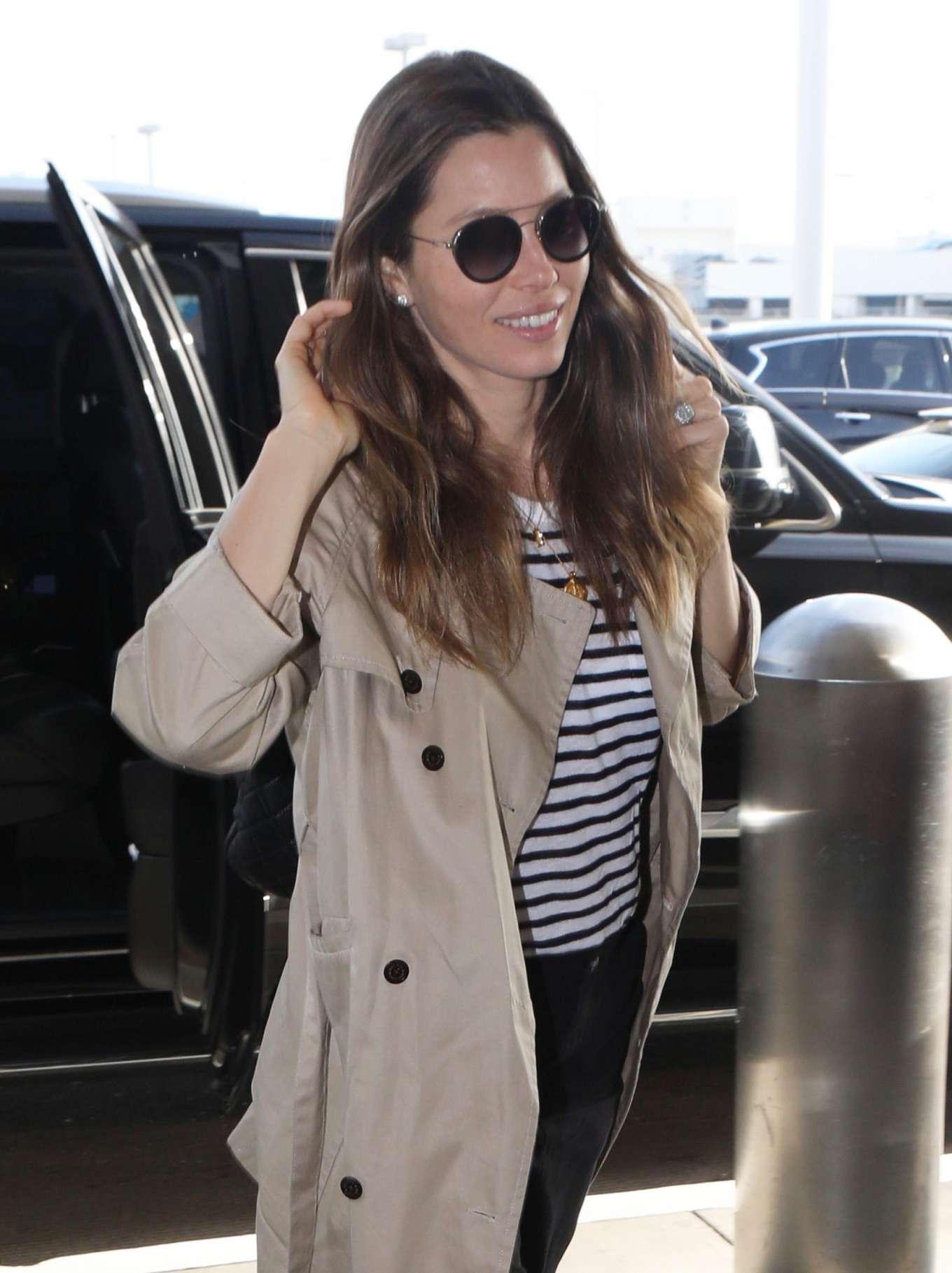 Jessica Biel - Arrives at LAX International Airport in LA