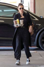 Jessica Biel - Arrives at the Children's Hospital in Los Angeles