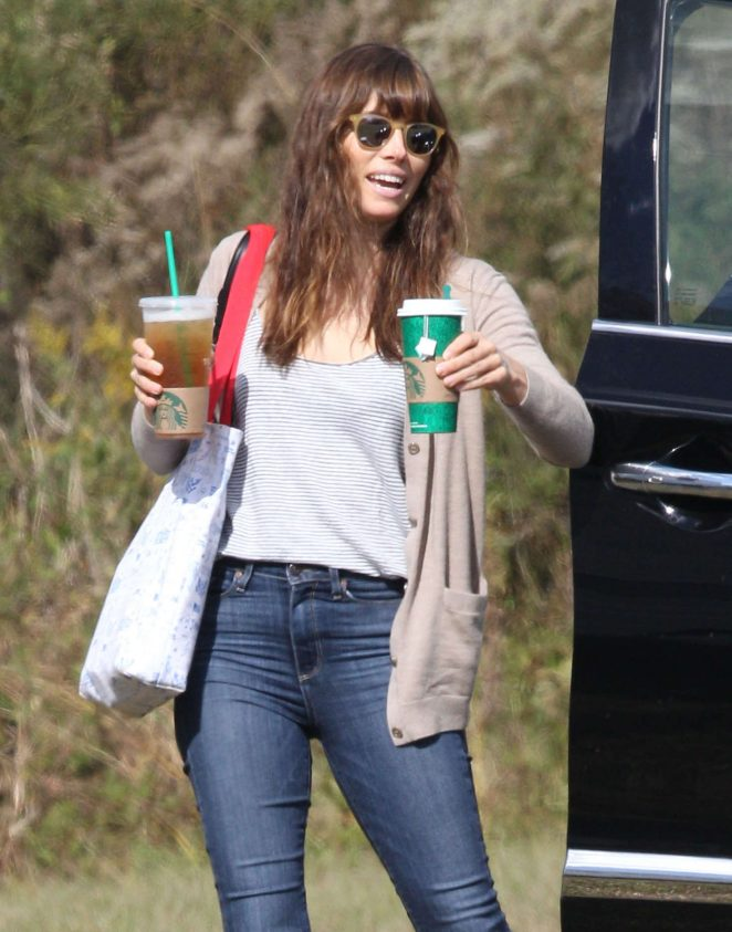 Jessica Biel – Arrives on the set of 'Shock And Awe' in New Orleans