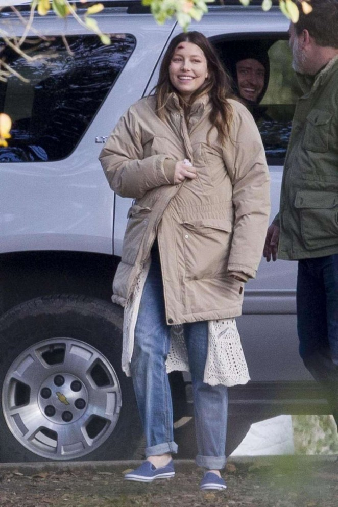 "Jessica Biel - Filming ""The Devil and the Deep Blue Sea"" in New Orleans"