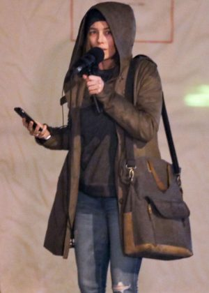 Jessica Biel - Films Scenes for new Facebook Watch series Limetown in Vancouver