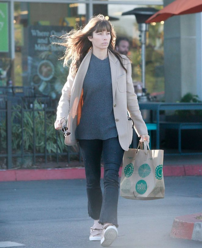 Jessica Biel grocery shopping at Whole Foods in Santa Monica