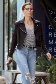 Jessica Biel - In Jeans out in Los Angeles