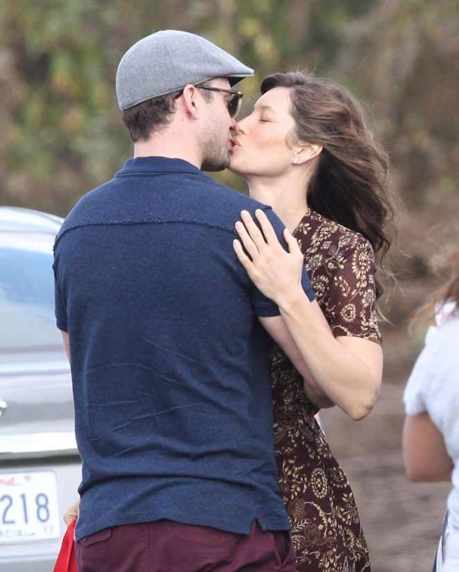 Jessica Biel Kisses Justin Timberlake in New Orleans
