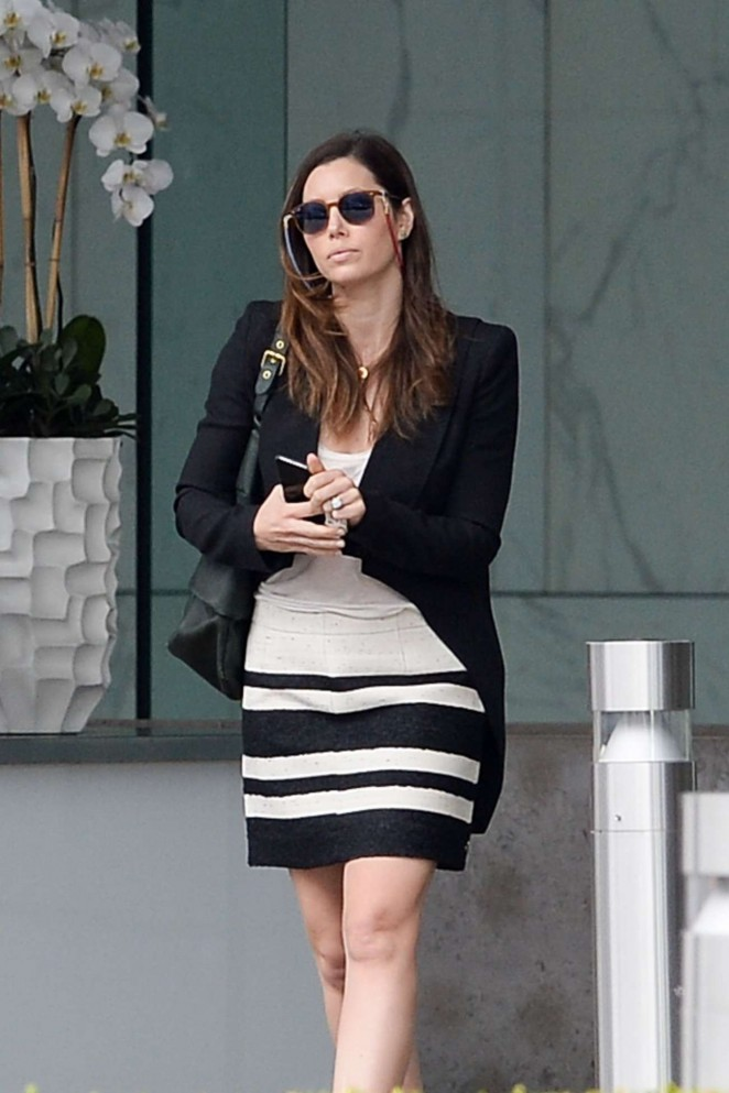 Jessica Biel – Leaves a Business Meeting in Century City