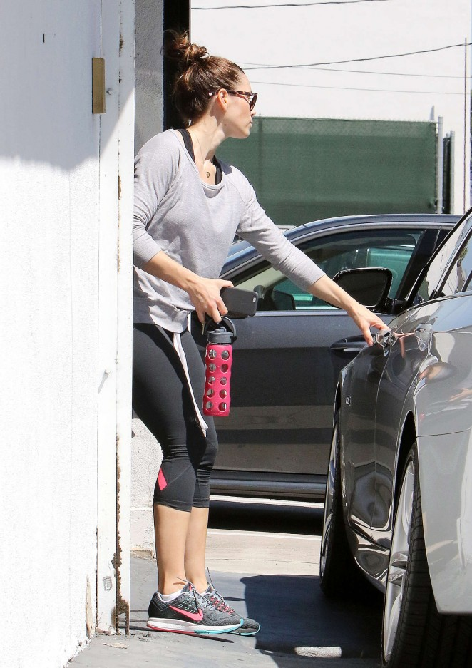 Jessica Biel in Tights -05