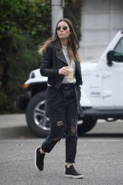 Jessica Biel - Running errands in Los Angeles