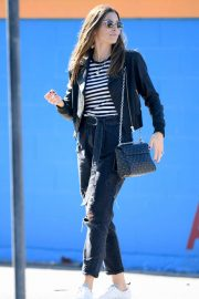 Jessica Biel - Shopping in Los Angeles