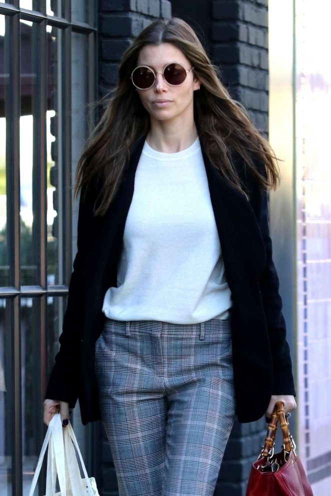Jessica Biel - Shopping in West Hollywood