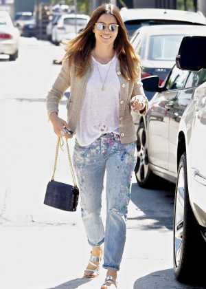 Jessica Biel - Spotted Out and about in Los Angeles