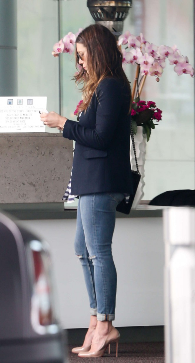 Jessica Biel in Tight Jeans out in Century City
