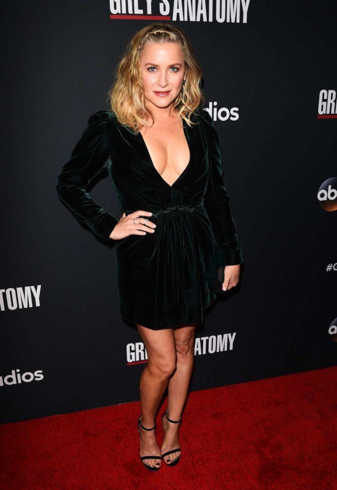Jessica Capshaw: Greys Anatomy 300th Episode Celebration -04