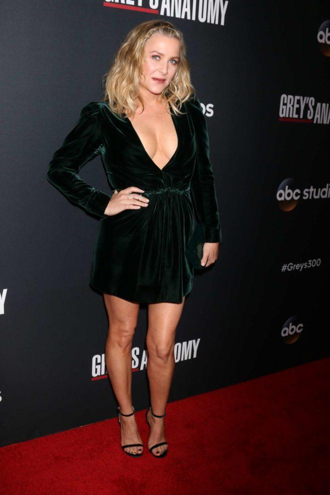 Jessica Capshaw: Greys Anatomy 300th Episode Celebration -11