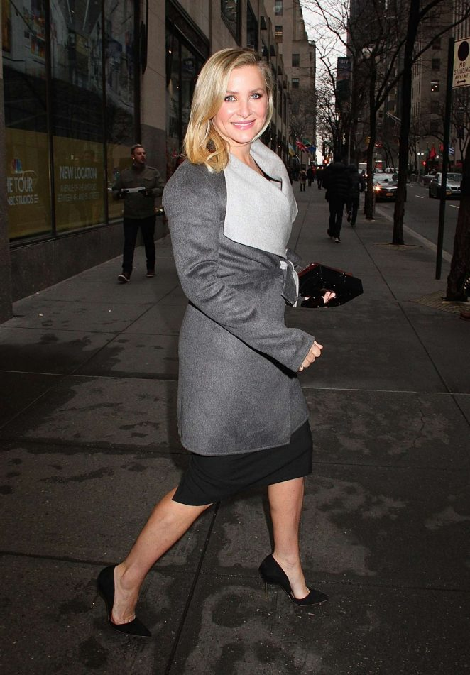 Jessica Capshaw: Leaves the NBC studios -02
