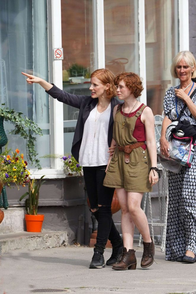 Jessica Chastain and Sophia Willis - On set of 'It Chapter Two' in Port Hope