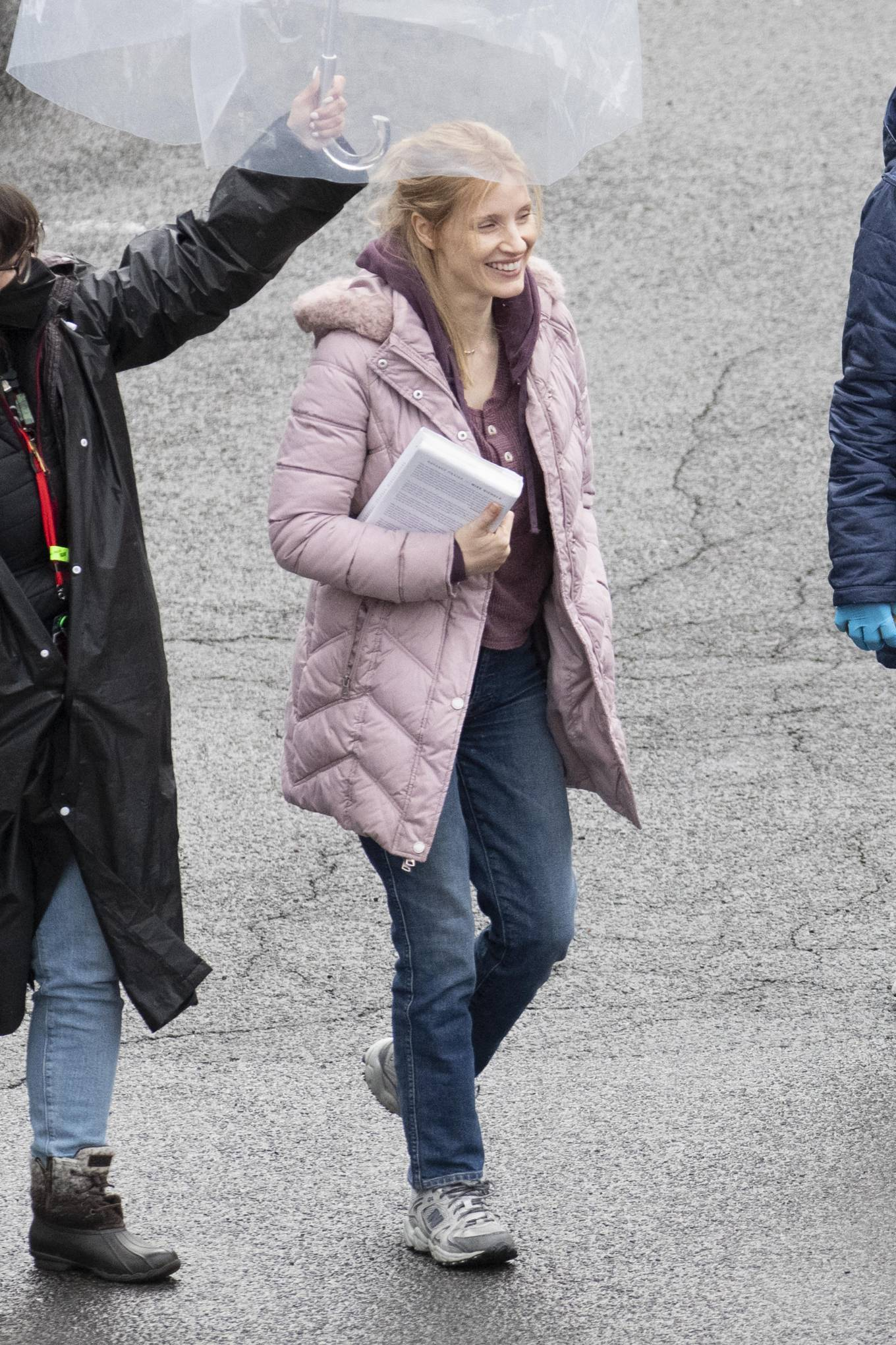 Jessica Chastain 2021 : Jessica Chastain – On rain the set of The Good Nurse in New York-04
