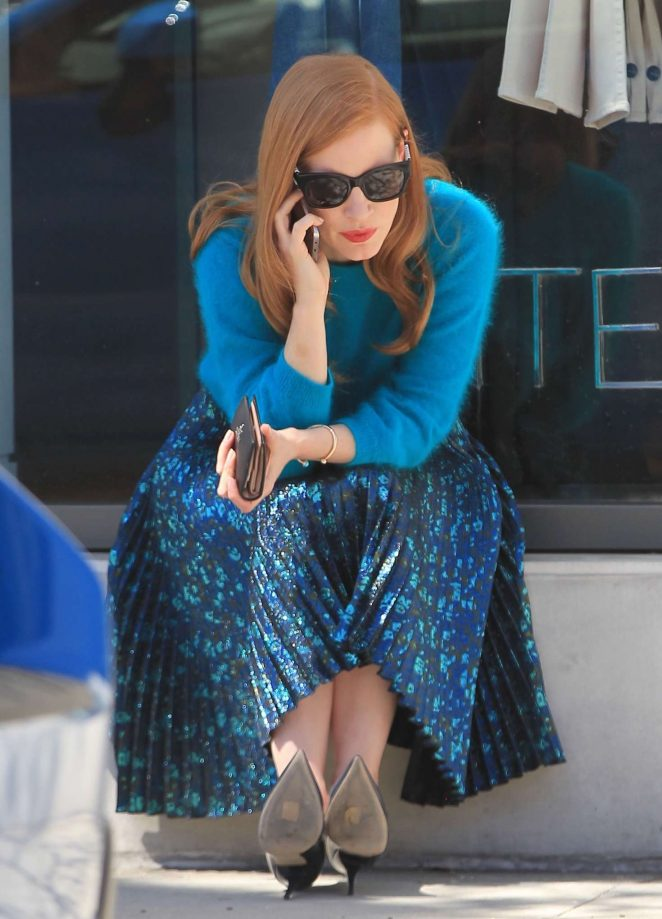 Jessica Chastain Out Shopping in Beverly Hills