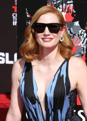 Jessica Chastain - Puts Handprints-Footprints in Cement in Hollywood