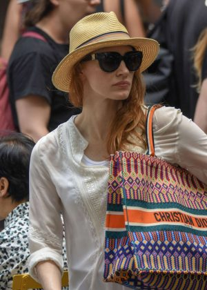 Jessica Chastain - Shopping in Sydney