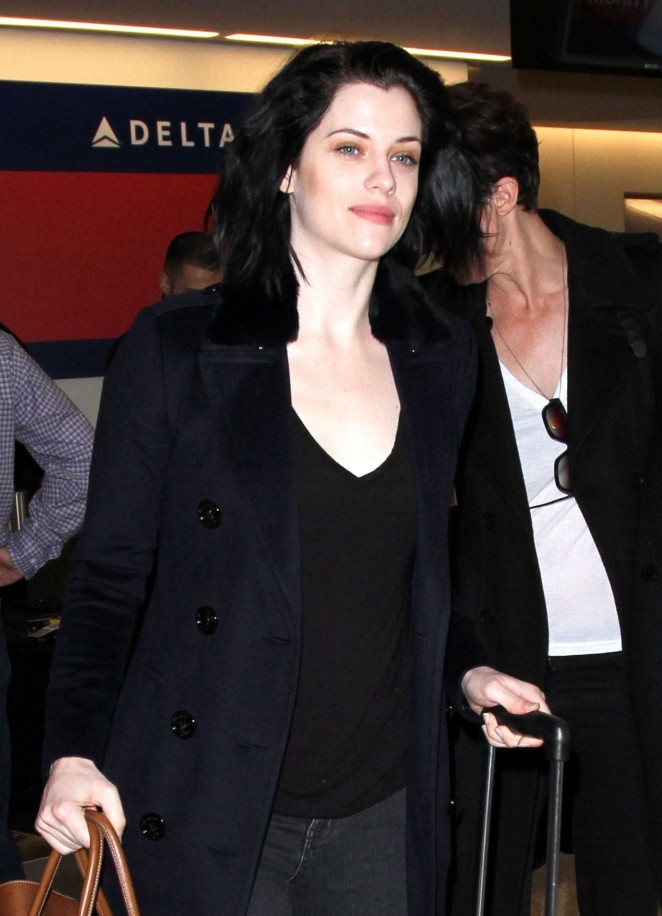 Jessica De Gouw - LAX Airport in Los Angeles