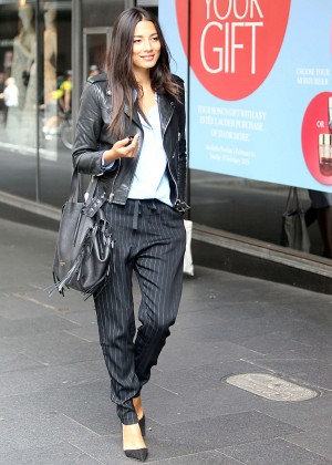 Jessica Gomes - Arriving at the David Jones Store in Sydney