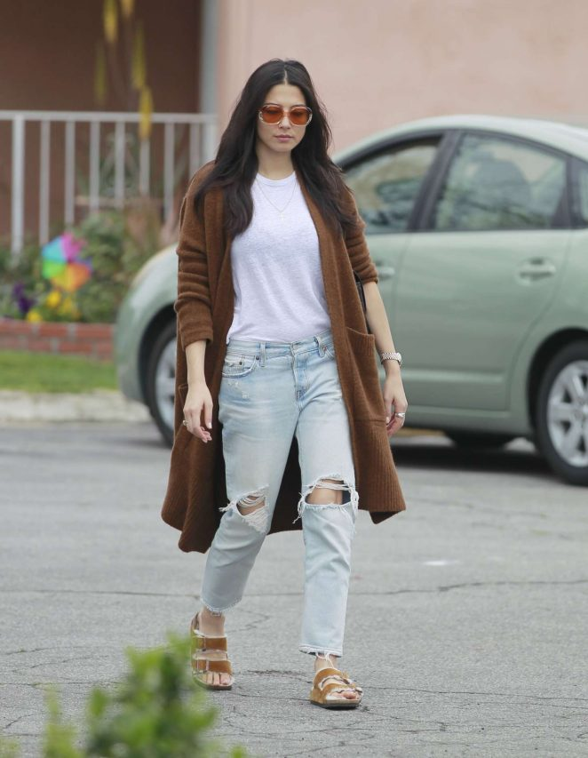 Jessica Gomes - Heading to the studio in Hollywood