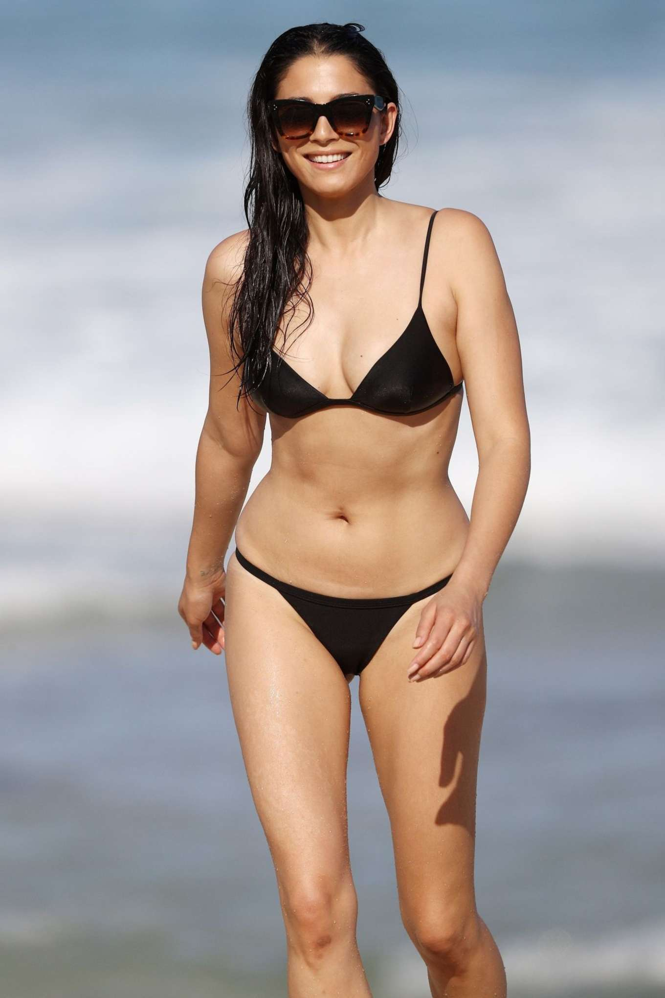 Jessica Gomes In Black Bikini 2017 05 Gotceleb