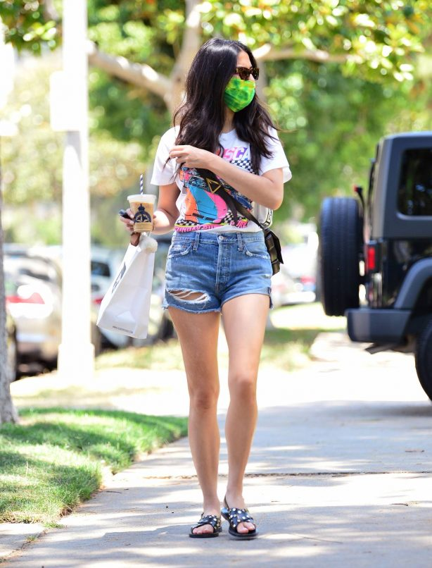 Jessica Gomes in Denim Shorts while picking up food from Joans on Third in West Hollywood