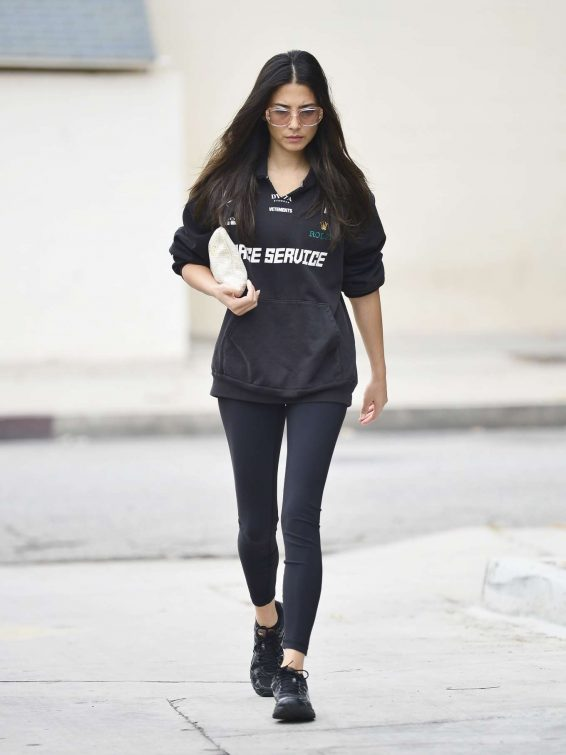 Jessica Gomes 2019 : Jessica Gomes – Leaving a morning gym session-01
