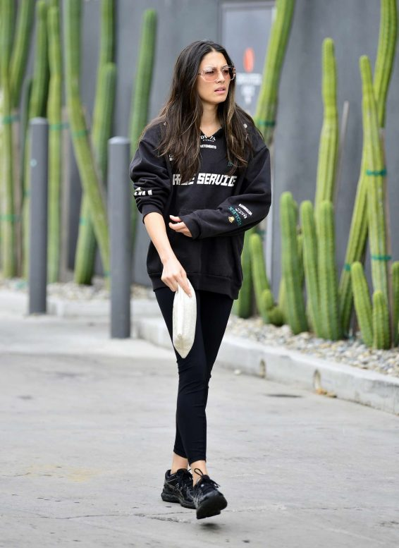 Jessica Gomes 2019 : Jessica Gomes – Leaving a morning gym session-12