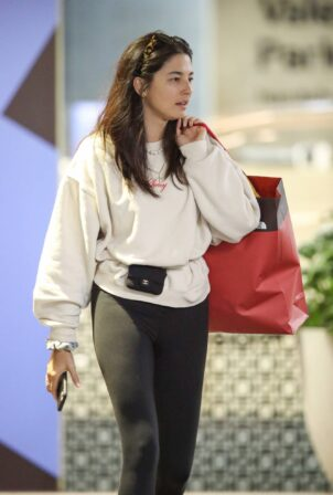 Jessica Gomes - Shopping at Westfield in Sydney