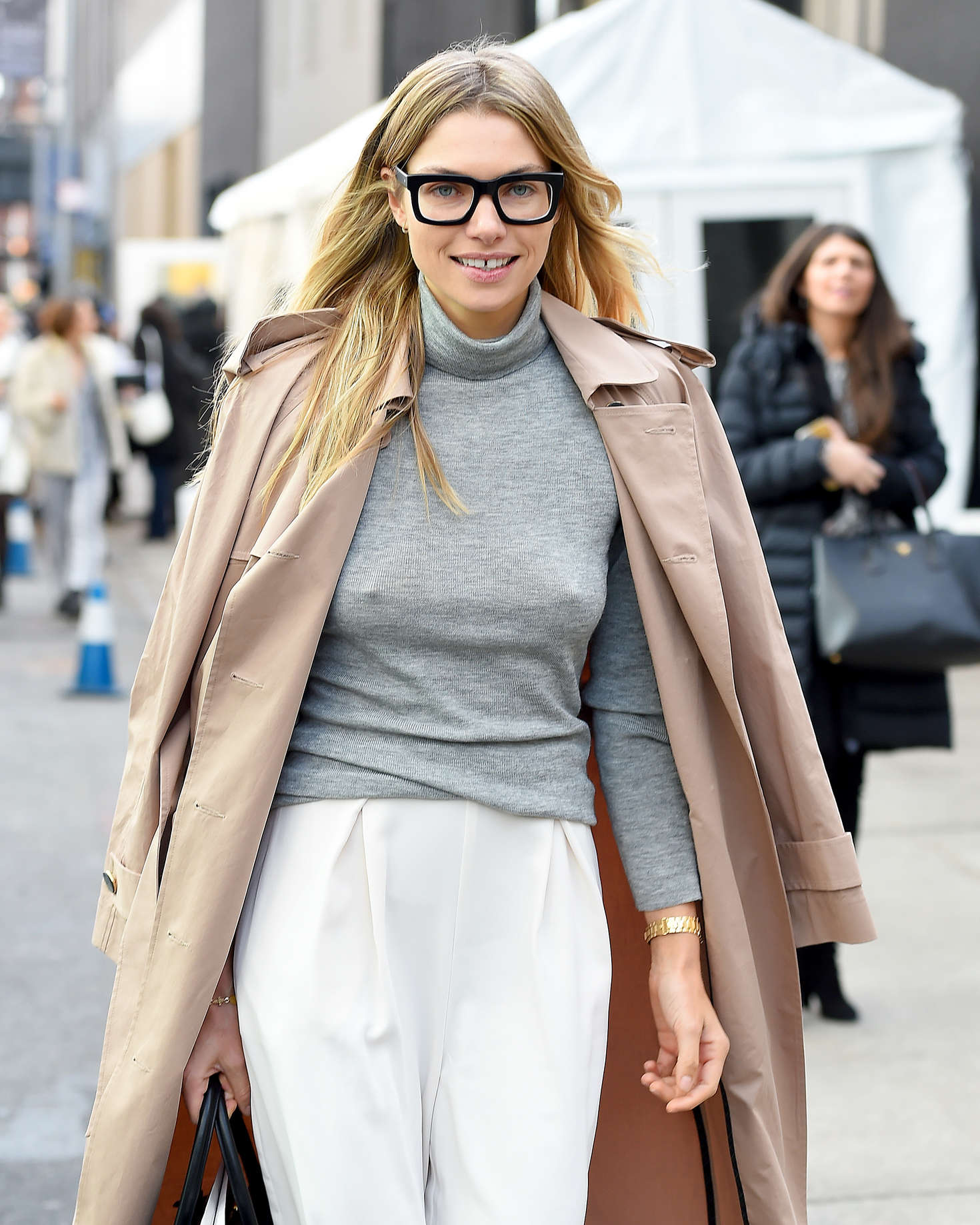 Jessica Hart - Arriving at the Zimmermann Fall 2016 New York Fashion Week