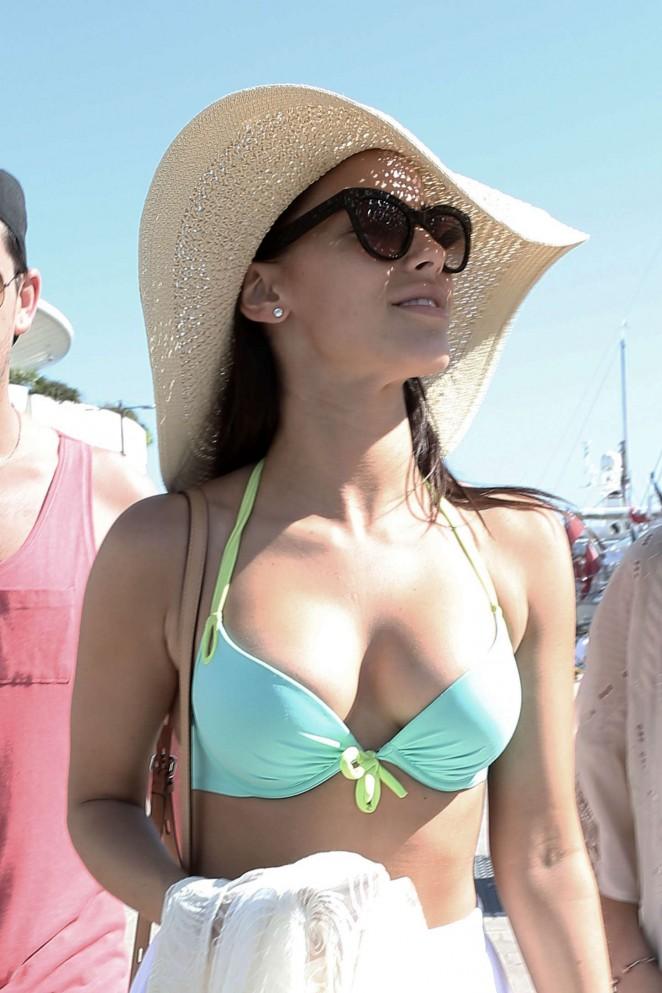 Jessica-Lowndes-in-Bikini-Top--20-662x99