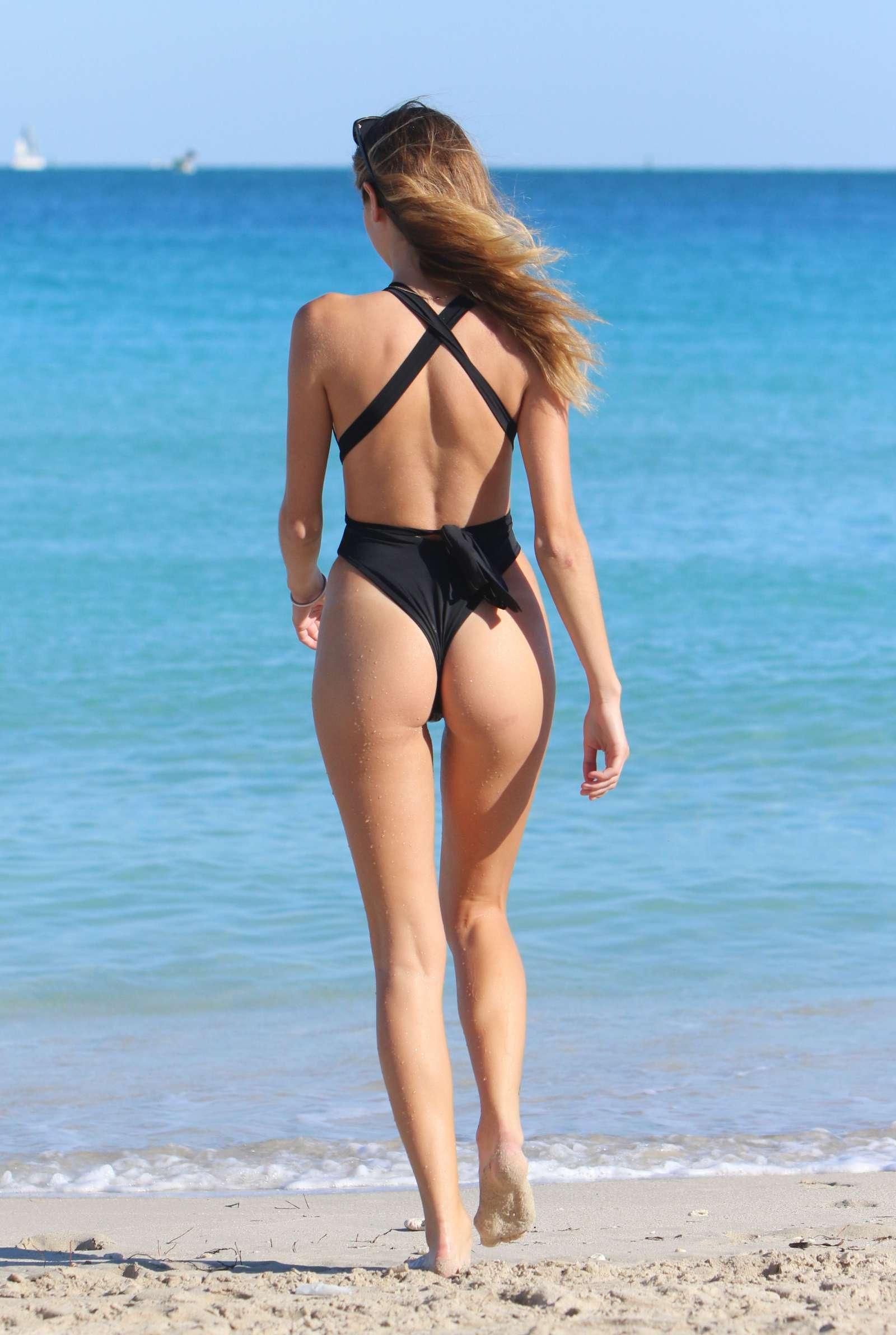 Bikini Jacquelyn Noelle naked (16 foto and video), Tits, Bikini, Instagram, braless 2020