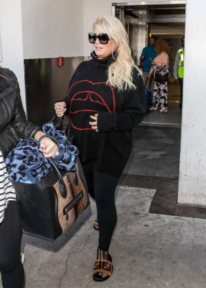 Jessica Simpson - Arrives at LAX Airport in LA