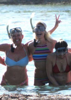 Jessica Simpson In A Bikini At A Beach In Tahiti Gotceleb