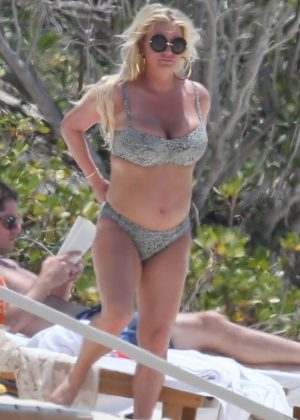 Jessica Simpson in Bikini at the beach in Bahamas