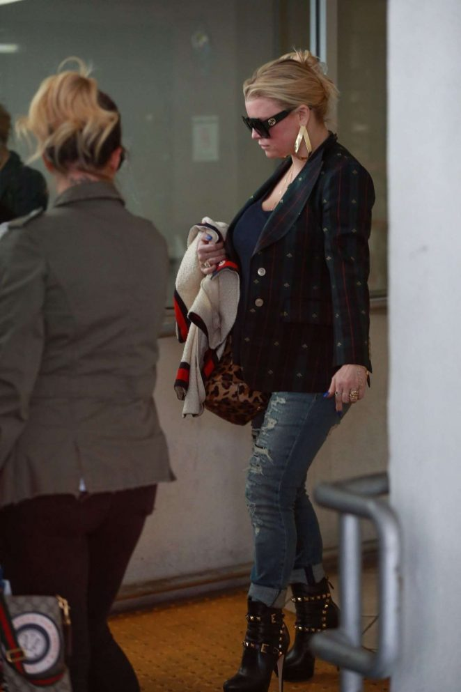 Jessica Simpson - Leaves a Dermatology Appointment in Beverly Hills