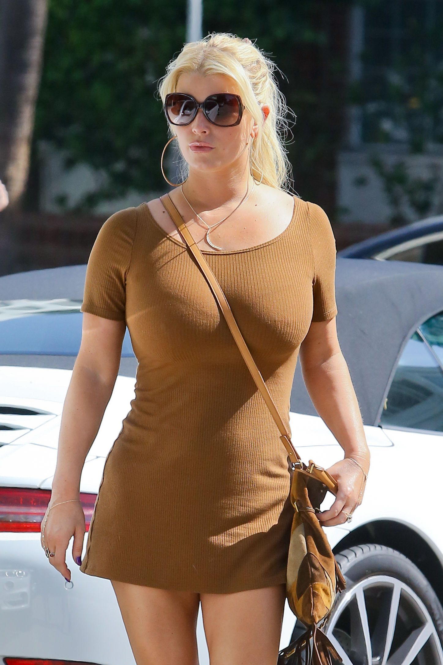 Jessica simpson brown dress pictures