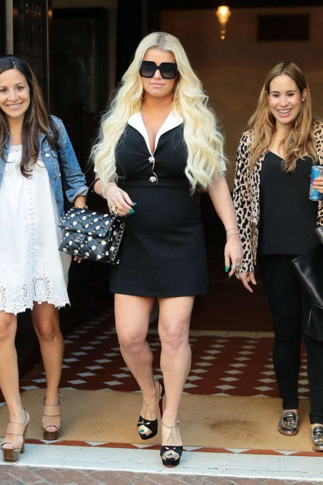 Jessica Simpson: Leaving her hotel in Manhattan -01