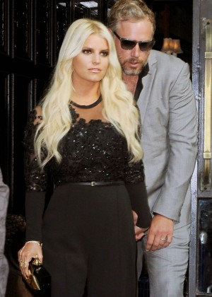 Jessica Simpson - Leaving her hotel in NYC
