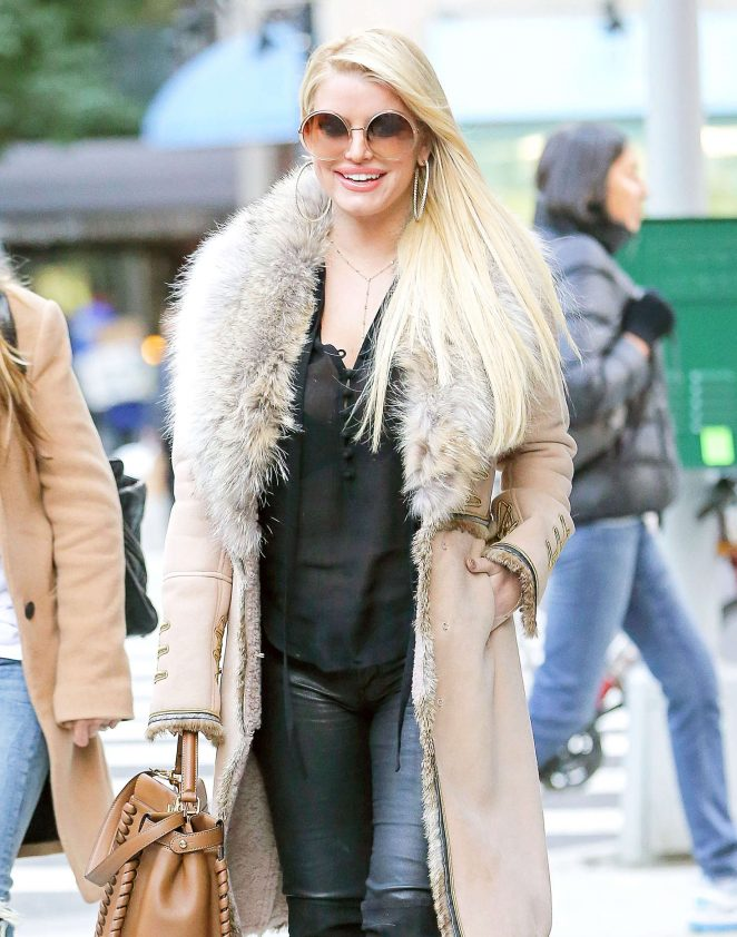 Jessica Simpson Leaving Rosa Mexicano restaurant in NYC