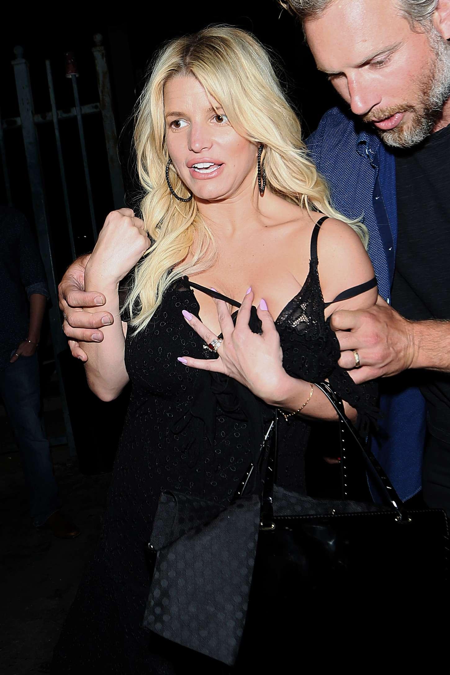 Jessica Simpson - Leaving Sayers Club in Las Vegas