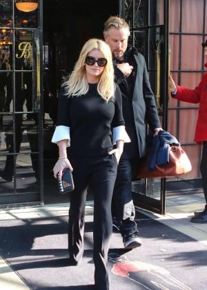 Jessica Simpson out in LA -03