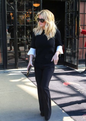 Jessica Simpson out in LA