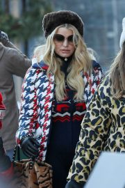 Jessica Simpson - Out shopping in Aspen